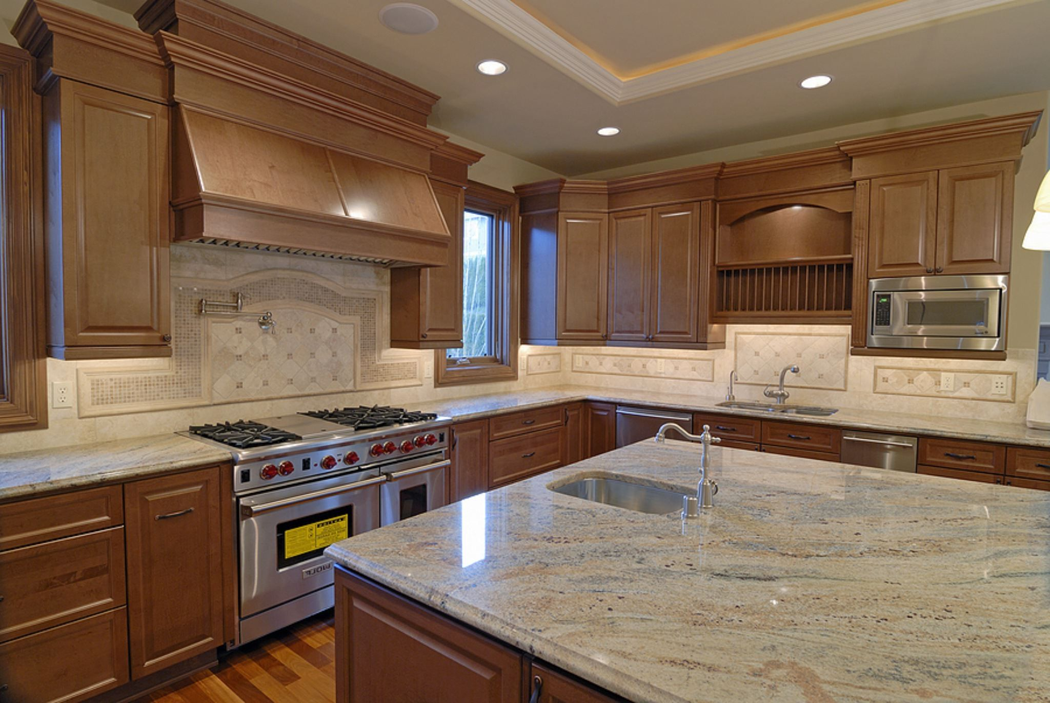 Wood Countertop Brown Wooden Laminate Teak Wood Kitchen Cabinet Kitchen Cabinets And Granite White Cabinets White Countertops White Cabinets Black Countertops