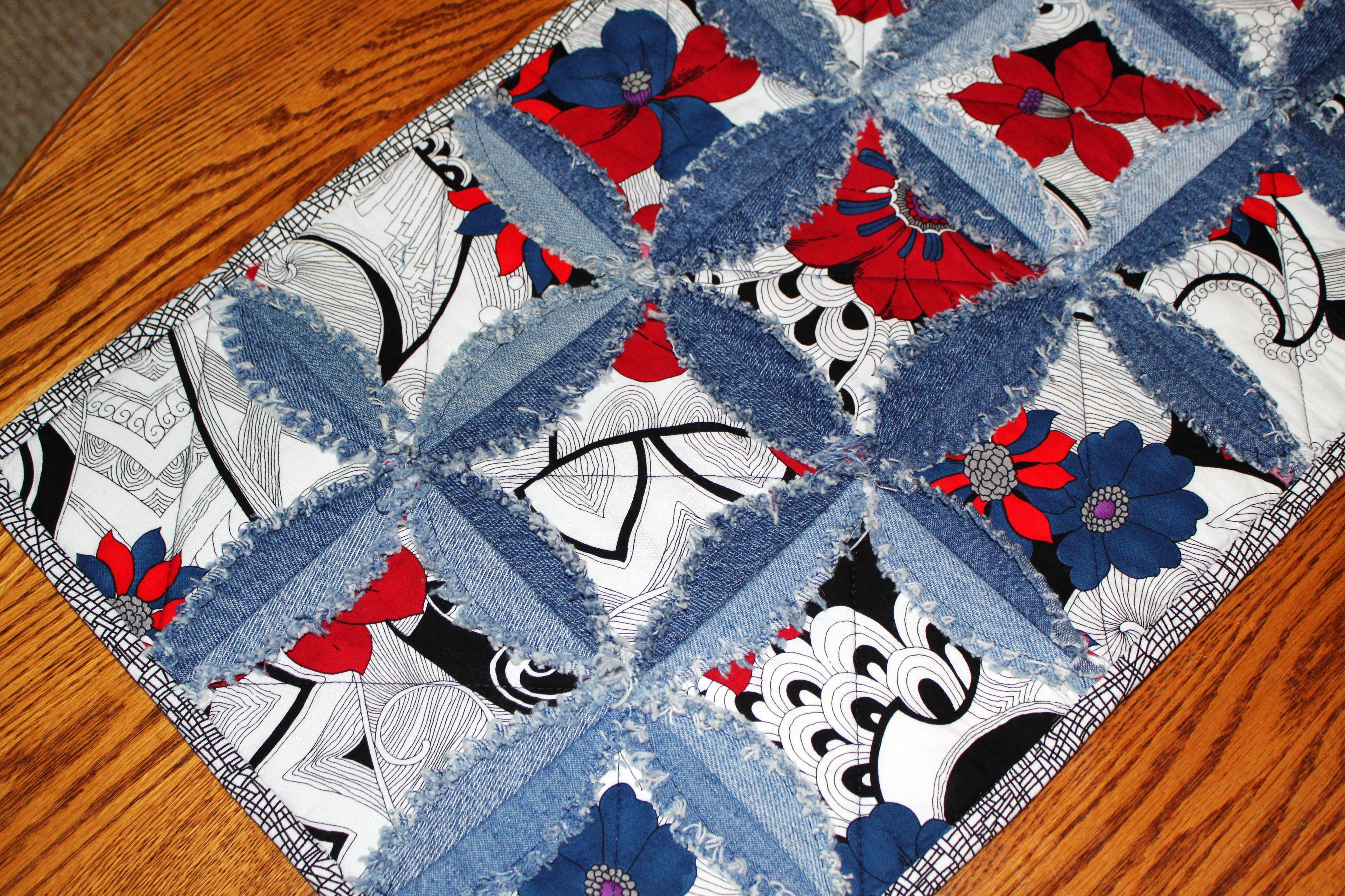 Quilt Pattern Using Focus Fabric : A table runner using a single large scale focus fabric and my denim circle rag quilt pattern ...