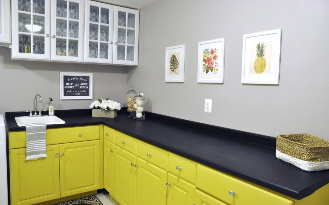Diy Refinish Your Kitchen Countertops With Annie Sloan Chalk Paint Via Decor Harmony Painting Countertops Kitchen Countertops Kitchen Paint