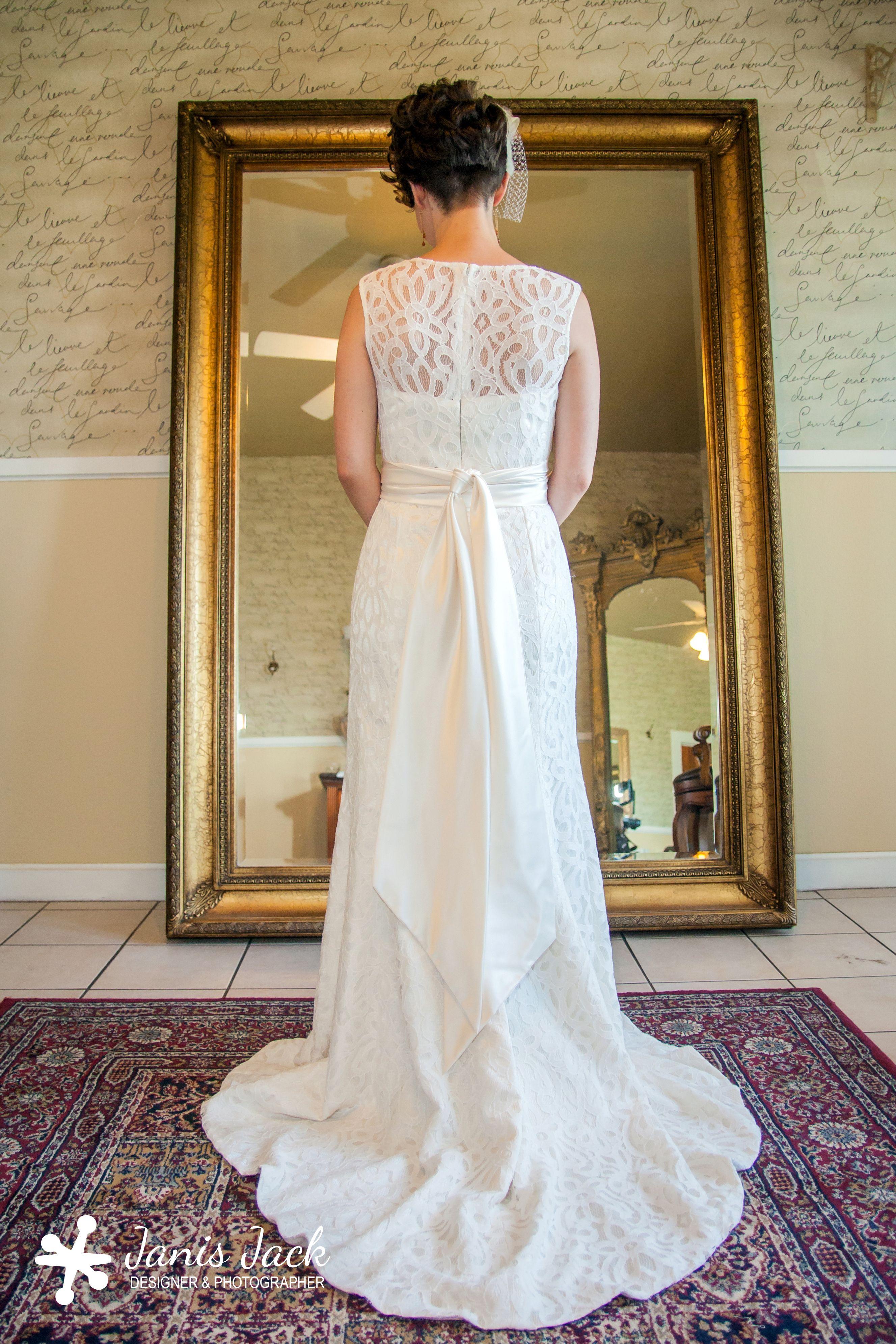 wedding, dress, vail, ideas, photography, mirror, lace