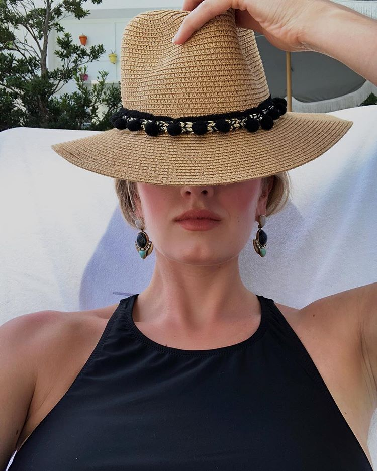 52cd794b9cf90 Pom Pom hat ——— Spring   Summer essentials.