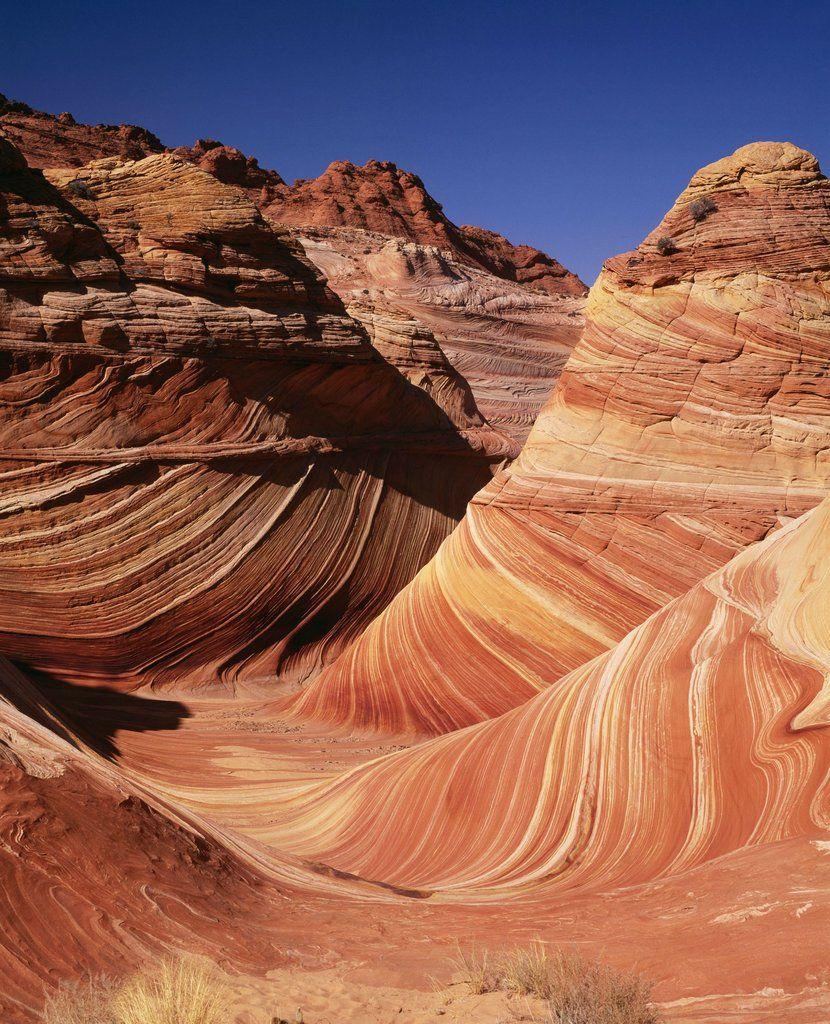 Arizonan hiekkakiviin on muodostunut miljoonien vuosien aikana veden ja tuulen yhteistyössä kaunis aallokon näköinen kuviointi.