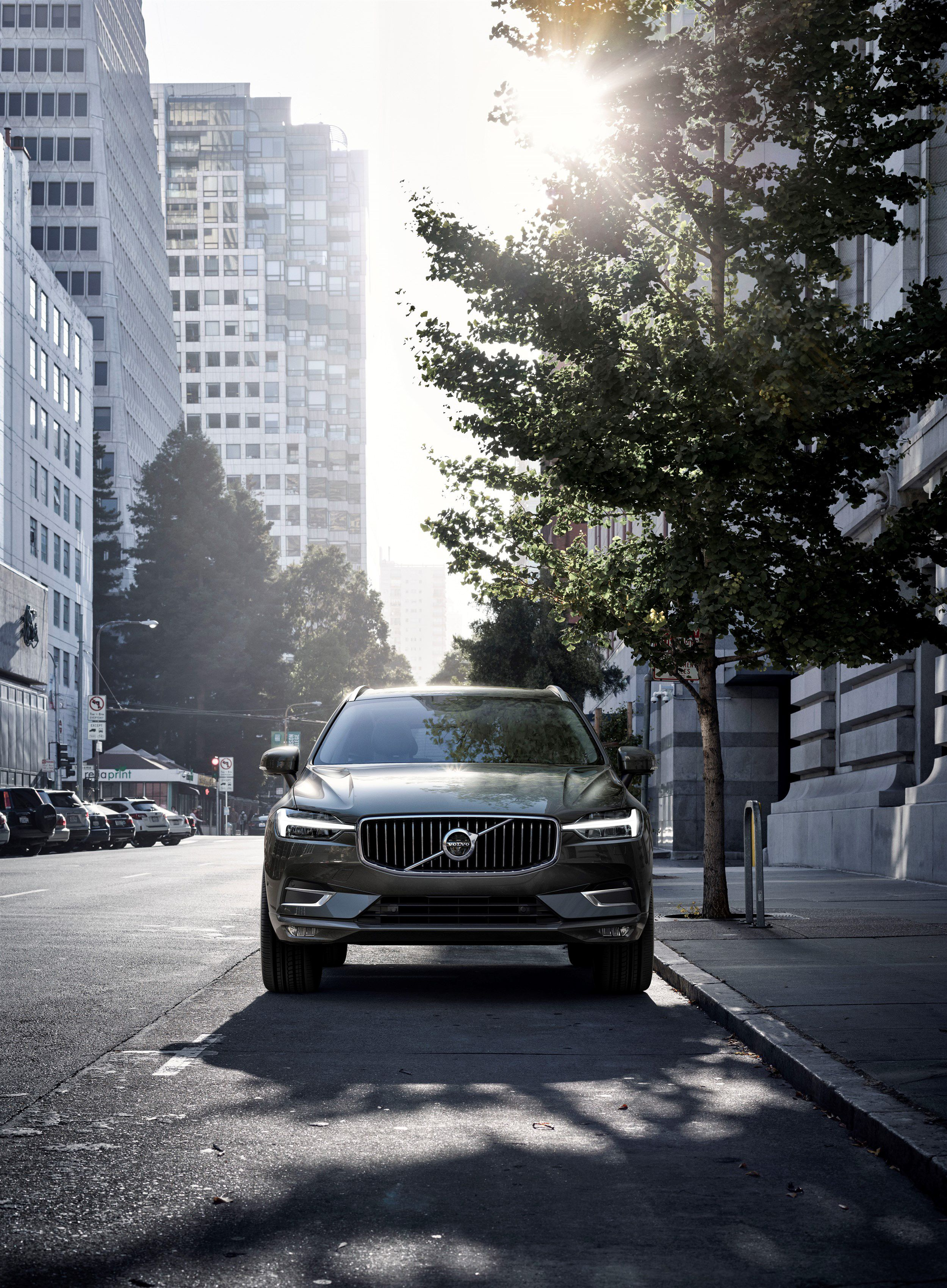 Volvo Xc60 The New Volvo Xc60 One Of The Safest Cars Ever Made Is Fully Loaded With New Technology Steer Assist Has Been Adde Volvo Xc60 Volvo Cars Volvo