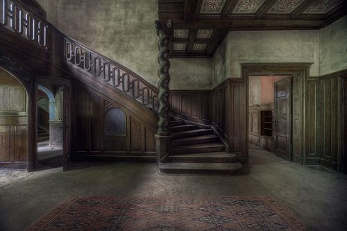 This Large Abandoned Mansion House Set Deep In The Woods Had Amazing Decor