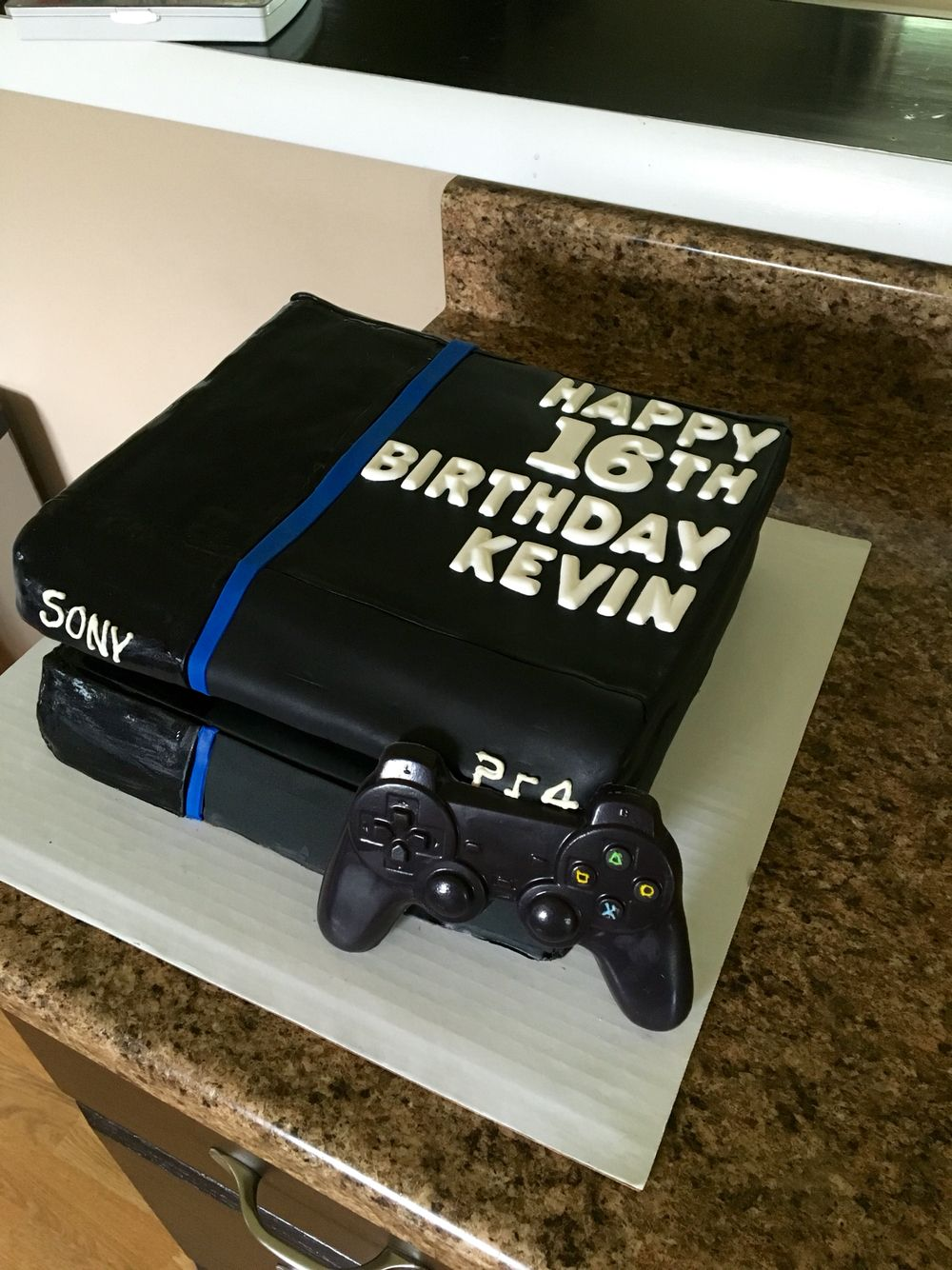 PlayStation 4 birthday cake Playstation party, Happy 6th