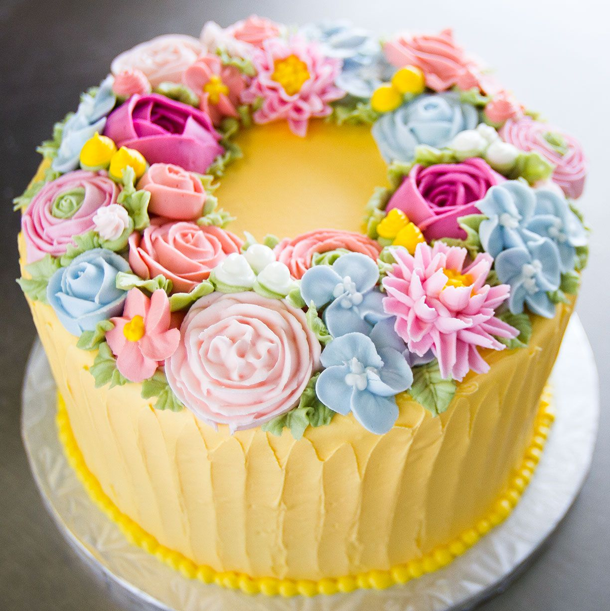 A beautiful floral wreath cake! Cake # 083. | Special ...