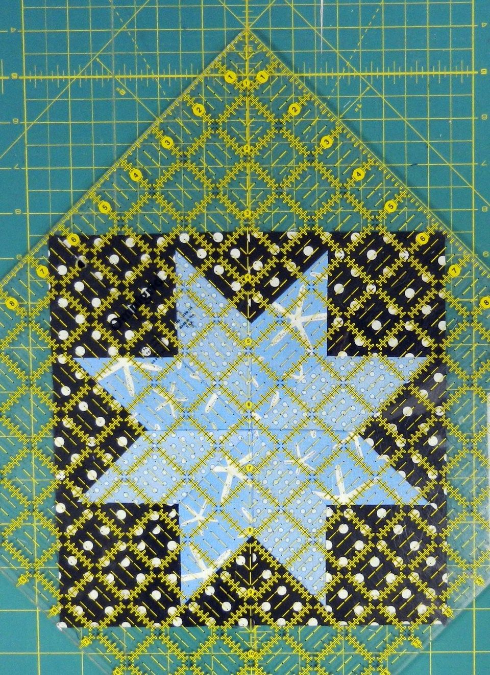 Turning a block on point Quilting tutorials Pinterest Blog On