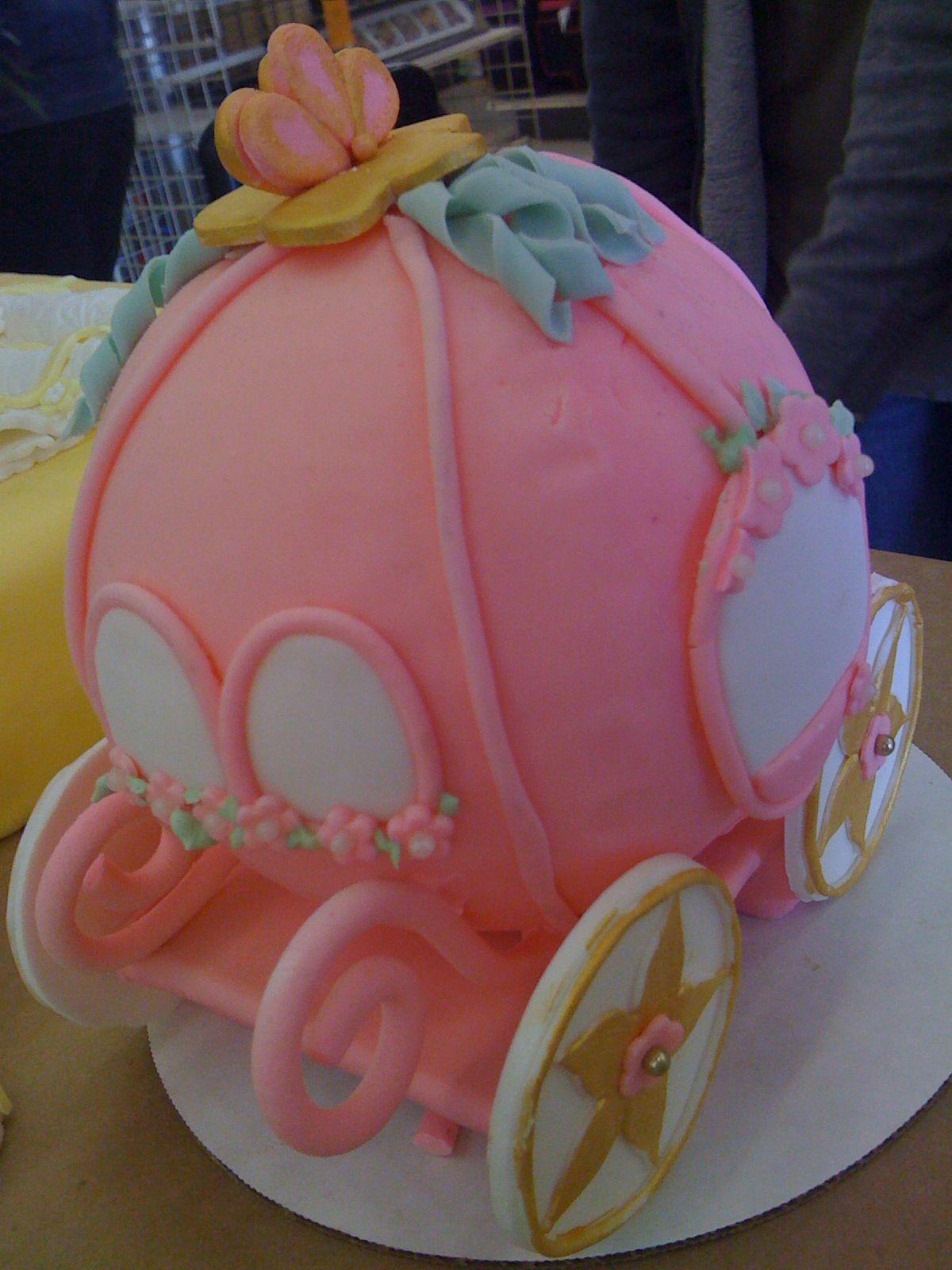 Cinderella carriage for a cake topper cupcake cakes