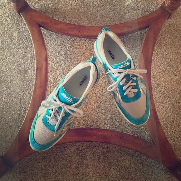 Earth Brand tennis shoes Adorable, fun colored turquoise comfort brand sneakers. Worn 2x's. Great arch support. Earth Shoes Athletic Shoes