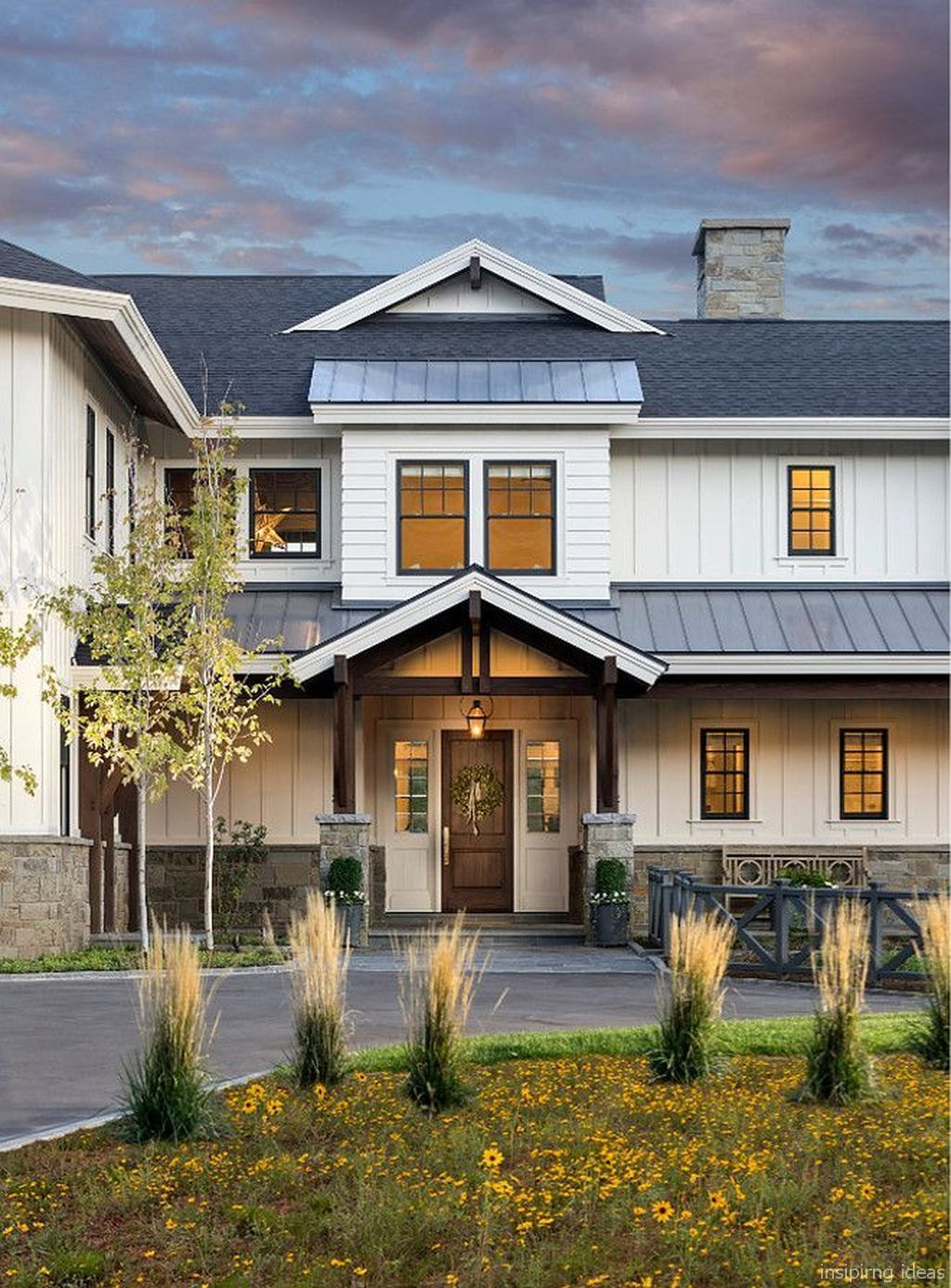 27 Modern Farmhouse Exterior Design Ideas For Stylish But Simple Look: 95 99 Modern Farmhouse Exterior Color Schemes Ideas