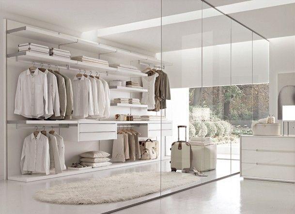 Una cabina armadio low cost con ERVARLI di Ikea Very