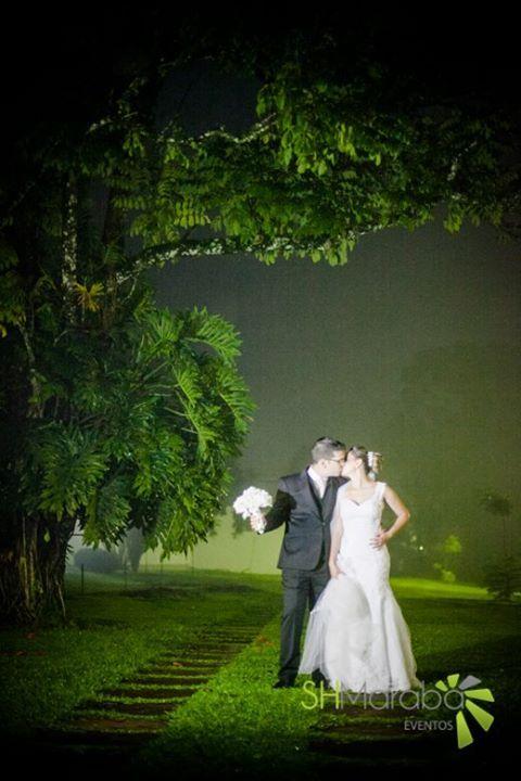 Casamento ao ar livre #kiss #beijo #wedding #fotocasamento #shmaraba