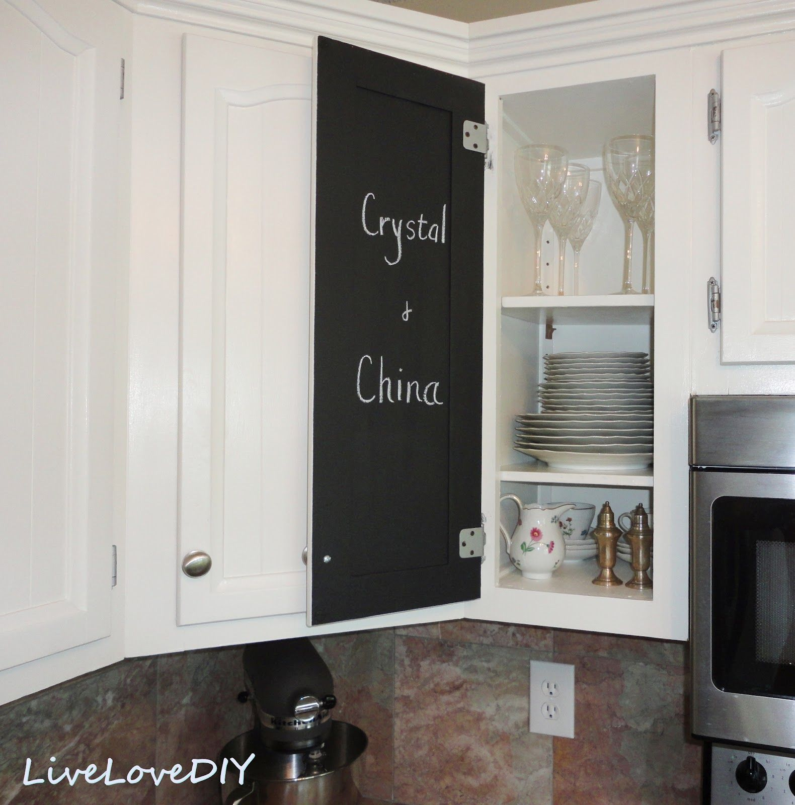 Small Kitchen Decorating Ideas 33 Jpg 1580 1600 Kitchen Chalkboard Chalkboard Paint Kitchen Kitchen Cabinets