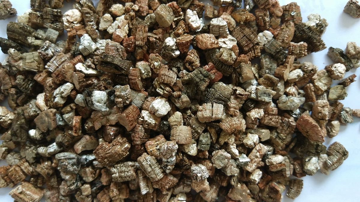 Exfoliated vermiculite is one the ingredients in the manufacture of ...