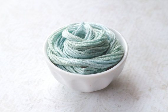 PETITE MAISON : Classic Colorworks hand-dyed embroidery floss cross