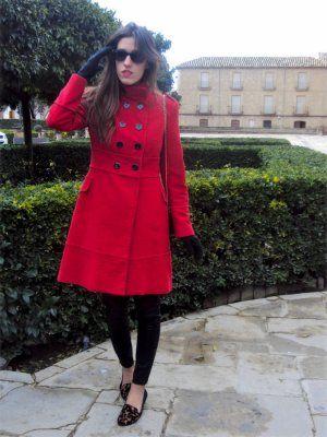 Nataliachamps Outfit militar cuero abrigo rojo urbano ...