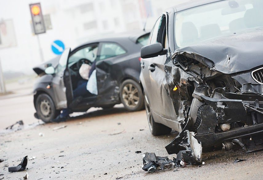 5 Ways Technology Is Causing Automobile Accidents Car Crash Accident Attorney Car Accident
