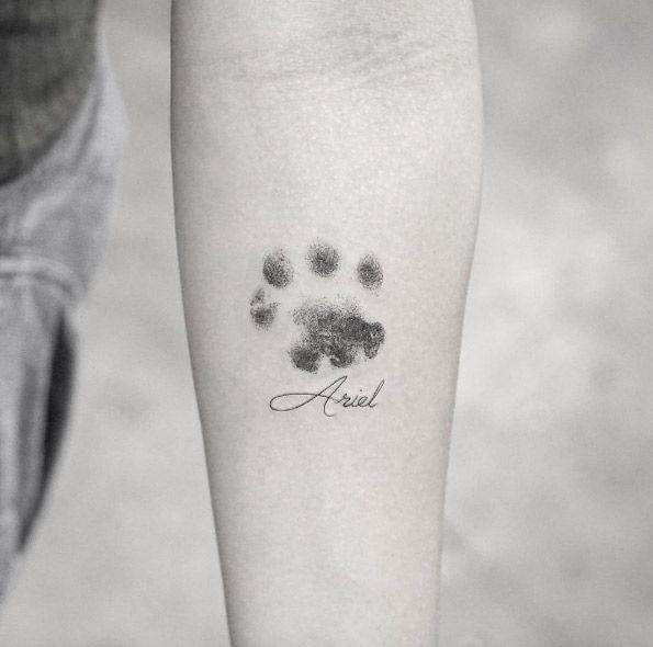 Photo of Tatouage Dotwork avec empreinte de patte par Sanghyuk Ko – Animal Tattoo Designs – #animal #Des …