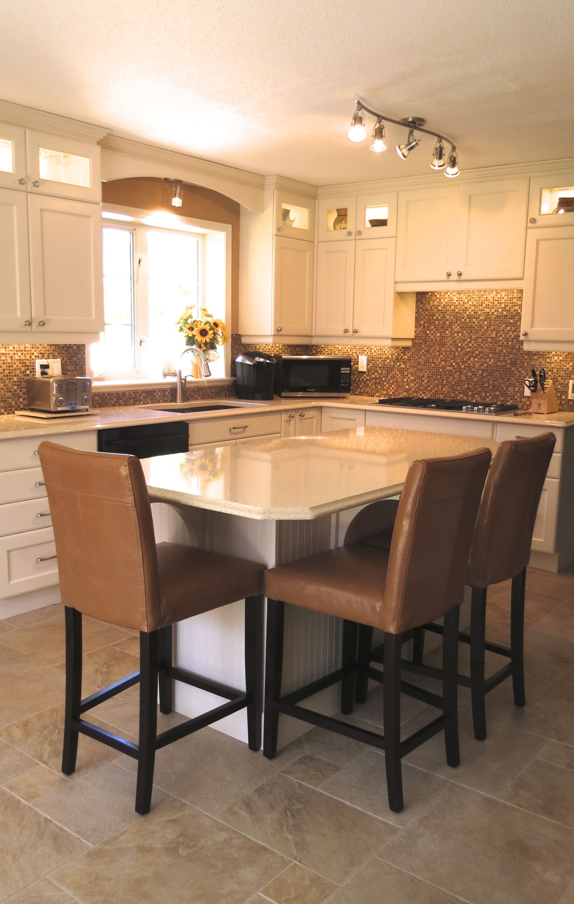 Kitchens Design Interior Design Makeovers By Classic Kitchens Parksville Vancouver Island Classic Kitchen Design Classic Kitchens Kitchen Design