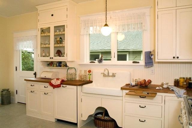 Original 1920s Beadboard Kitchen Cabinets Historic Kitchen Traditional Kitchen Traditional Kitchen Design Kitchen Cabinet Styles Vintage Kitchen