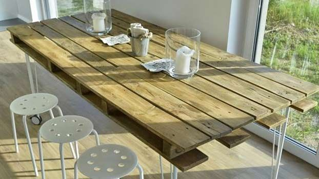 Tavoli In Legno Rustici Per Esterno : 5 tavoli in legno economici e fai da te reciclaje wood pallets
