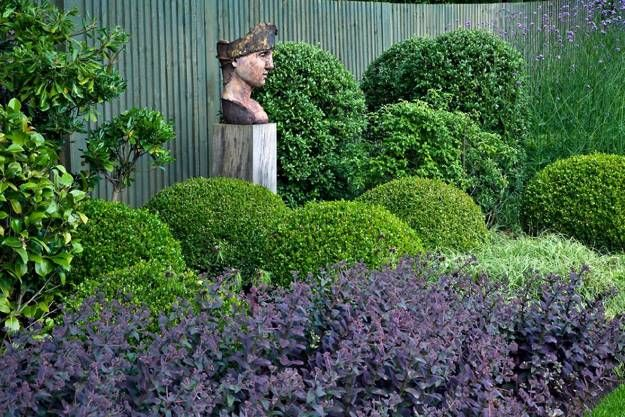 20 Beautiful Garden Decorations, Sculptures to Accentuate Garden