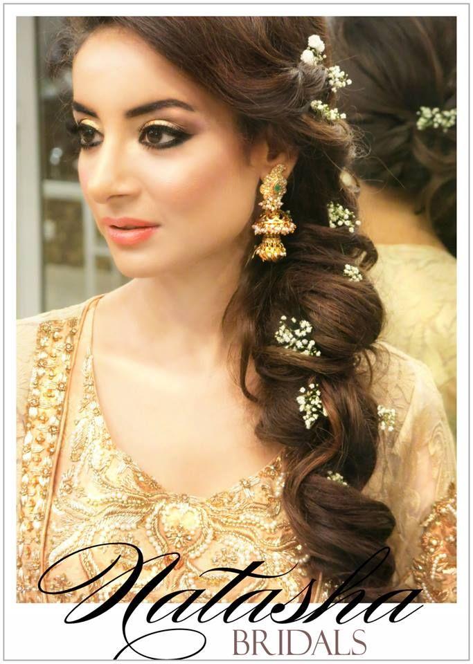 Love This Hair For Mehndi Pakistaniweddings Pakistanibrides Elegant Indian Wedding Hairstyles Hair Styles Pakistani Wedding Hairstyles