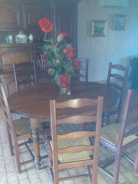 Table ronde avec rallonges 6 chaises paillées d occasion
