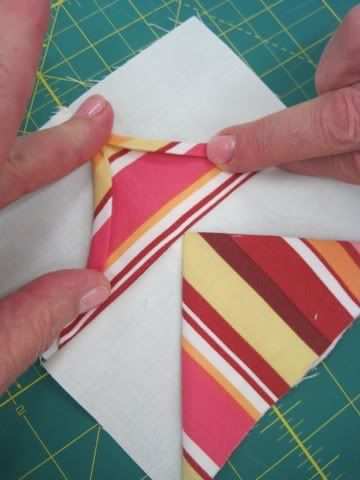 """One-Seam Flying Geese"" tutorial (from Quiddity Quilts)  WOW"