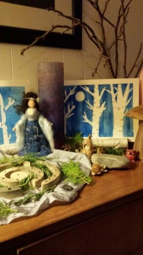 Winter nature table with advent spiral