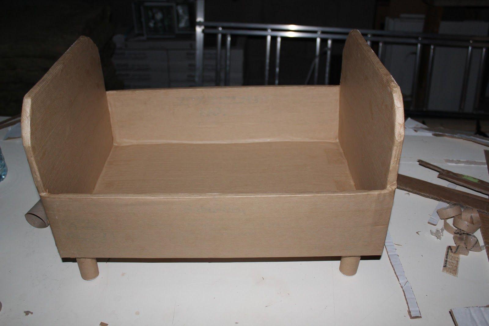 tutoriel lit de poup es en cartons lit de poupee carton et lits. Black Bedroom Furniture Sets. Home Design Ideas