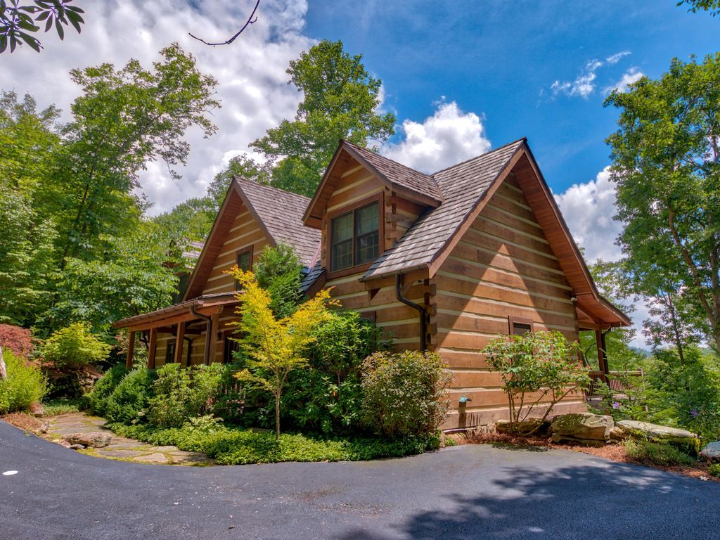 Mountain Chic Rustic Beauty in the Woods! Highlands in
