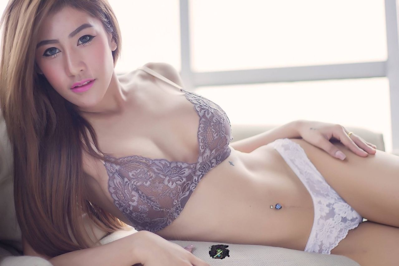 hot girl meet thai girls