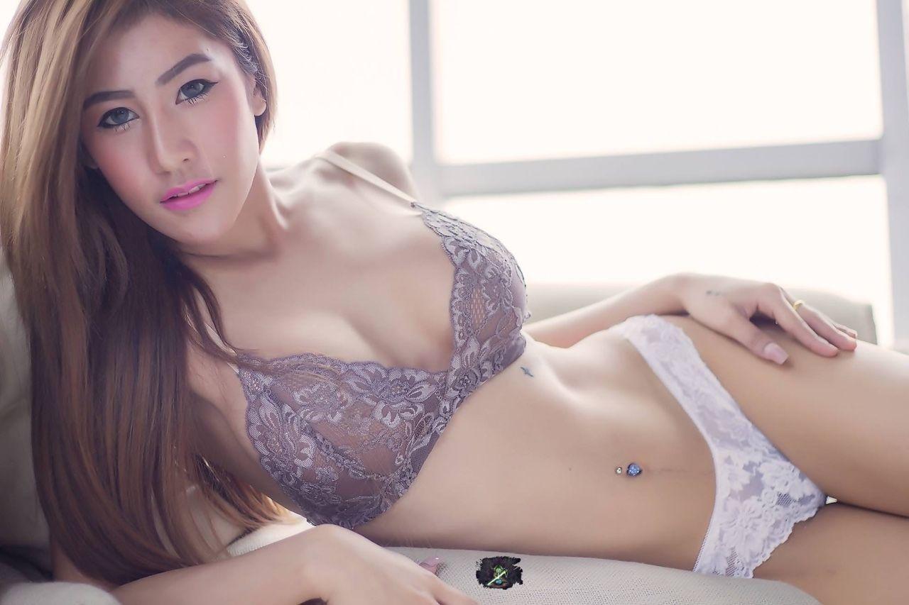hot girl meet thai girls
