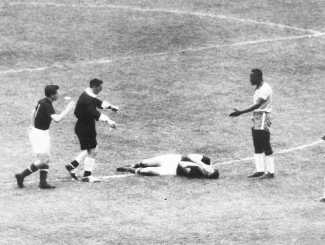 Hungary 4 Brazil 2 in 1954 in Bern Trouble started between Nilton