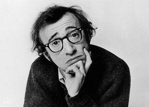 El actor y director Woody #Allen con sus emblemáticas 'Styl Rite'