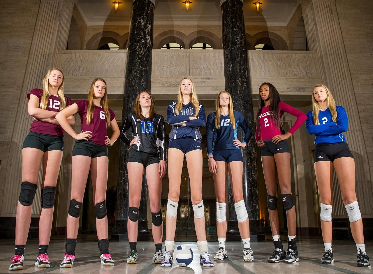 Looking Up At College Volleyball Goddesses By Shrunkenluigi On Deviantart In 2020 Players Tall Women Goddess