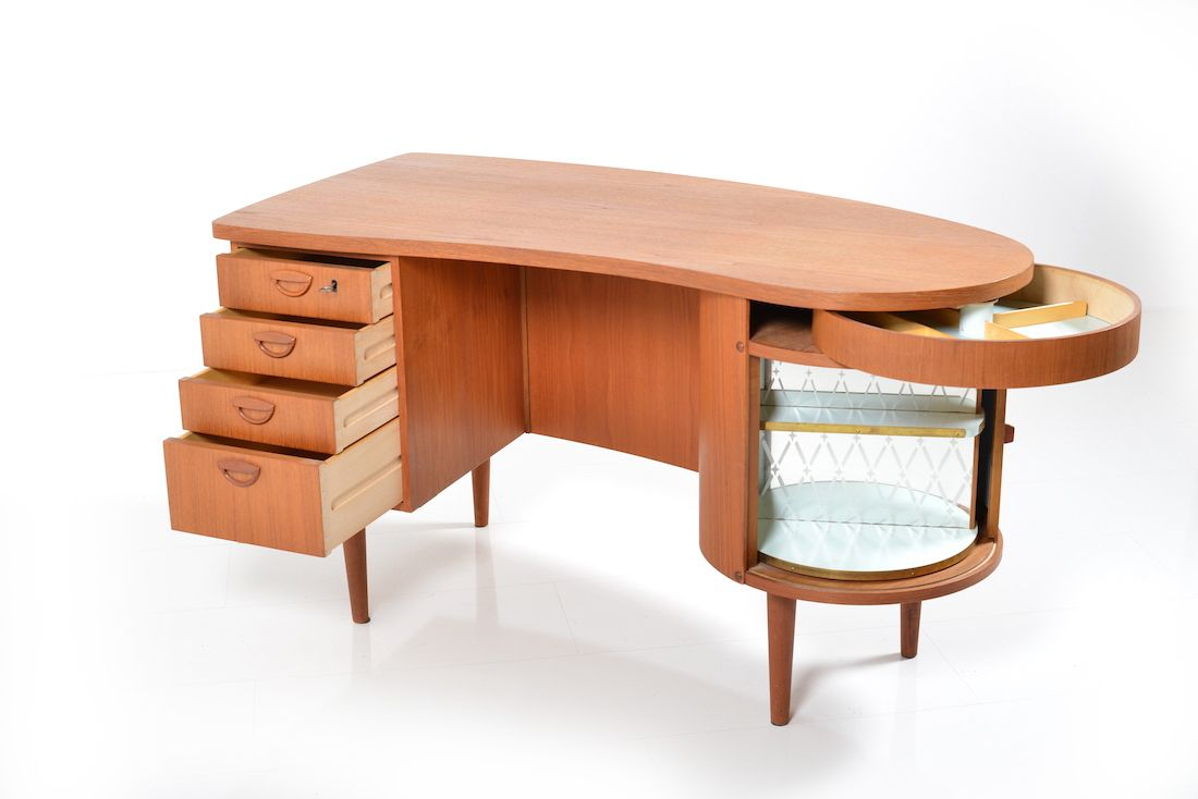 Teak Kidney Model No 54 Desk By Kai Kristiansen For Fm Furniture