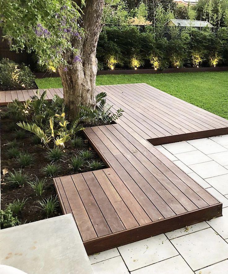 Photo of Idee, den Holzpfad von der hinteren Terrasse zum Pool zu heben. Dies ermöglicht Holzdielen rund um