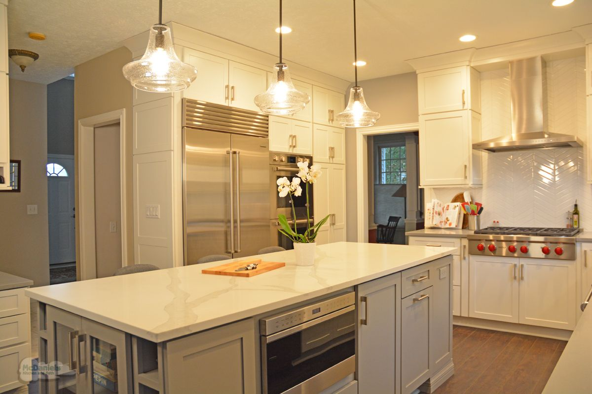 Are You Updating Your Appliances As Part Of A Kitchenremodel If You Are An Avid Home Che Transitional Kitchen Design Kitchen Design Kitchen Appliances Luxury