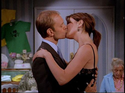 "Frasier | Frasier: 3x24 - ""You Can Go Home Again""."