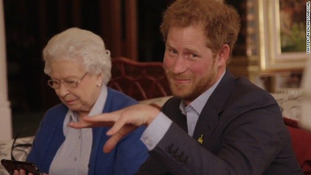 CNN - Obamas challenge Queen and Prince Harry to the Invictus ...