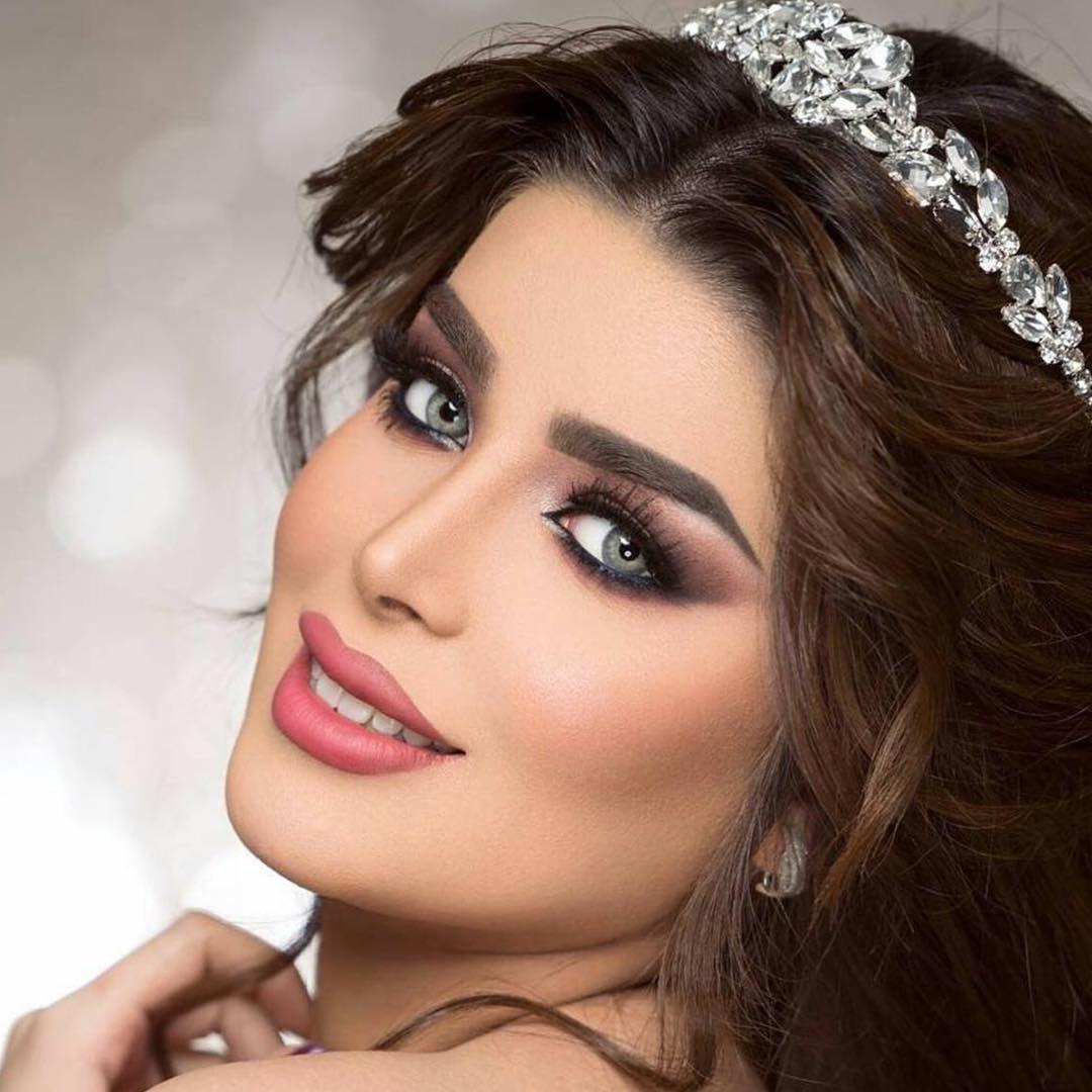 Publicacao Do Instagram De ميك اب ارتست ومصففه شعر 22 De Dez 2018 As 12 25 Utc Nose Ring Makeup Crown Jewelry