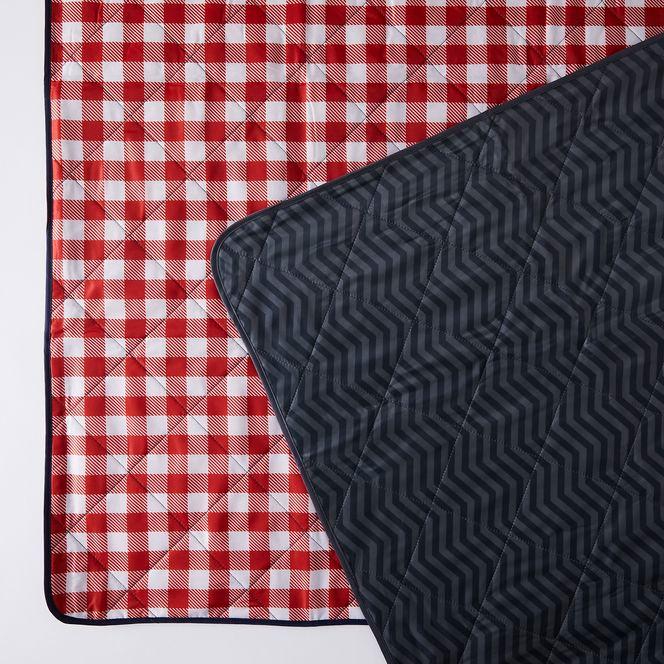 Outdoor Zip Up Picnic Blanket Tote, Zip Up Outdoor Blanket