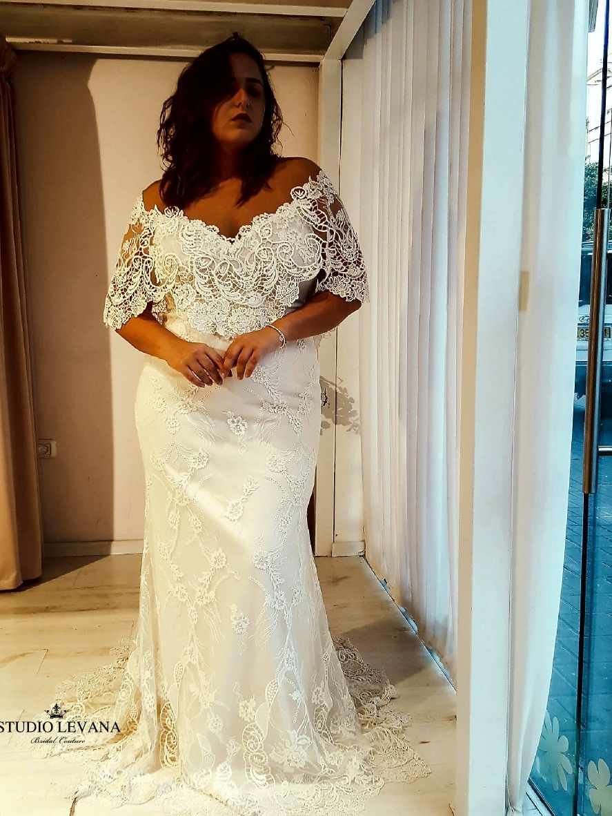 Have You Ever Seen Such A Jaw Dropping Plus Size Wedding Dress Paisley Studio Levana Wedding Dresses Wedding Event Dresses Plus Wedding Dresses [ 1182 x 887 Pixel ]