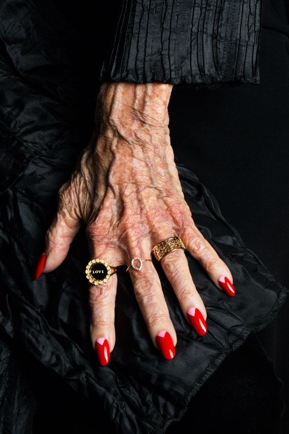 Hands That Have Lived Karen Walker Advanced Style Collaborate In 2020 Advanced Style Ari Seth Cohen Karen Walker