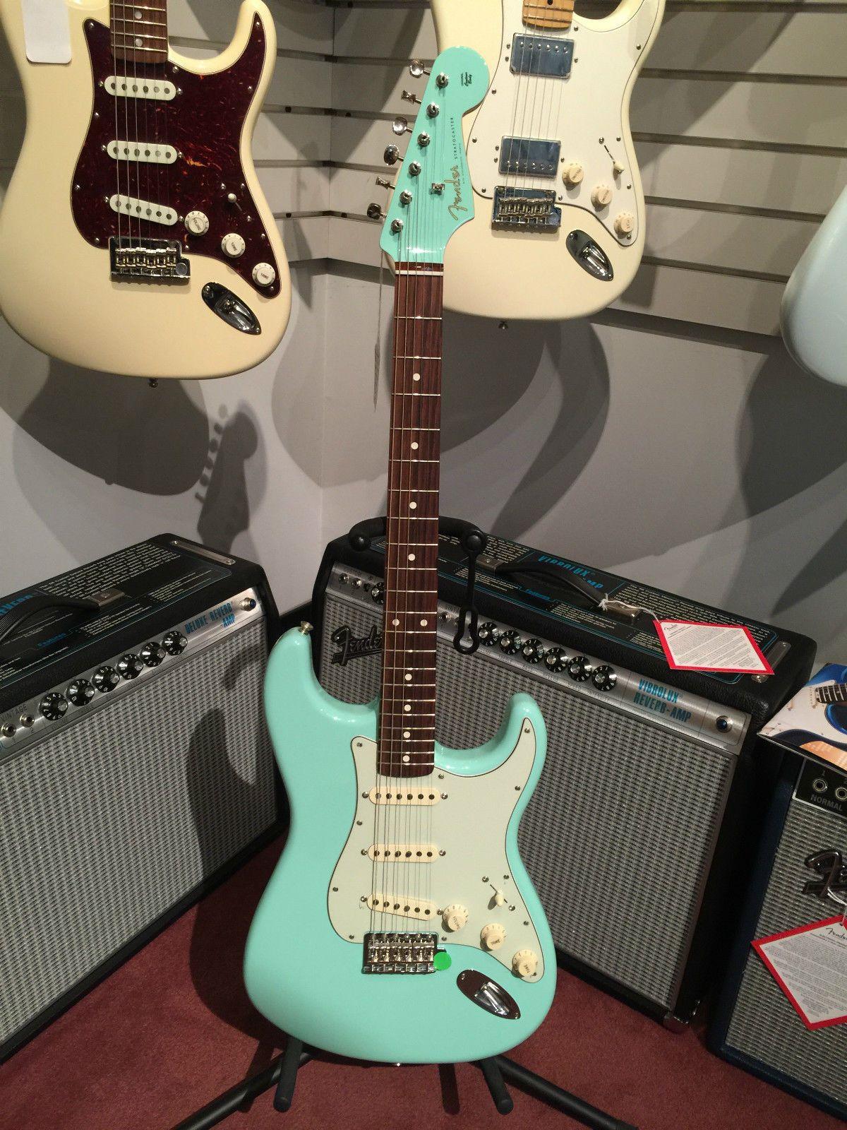 details about fender stratocaster special edition guitar 2019 seafoam green mist guitars. Black Bedroom Furniture Sets. Home Design Ideas