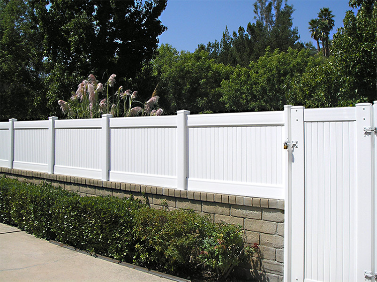 Vinyl Blockwall Extensions Vinyl Solid Fencing California Los Angeles Van Nuys Burbank Valencia Brick Fence Fence Design Retaining Wall Fence