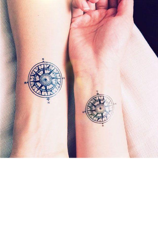 30 id es de tatouages pour les couples la boussole - Tatouage boussole homme ...