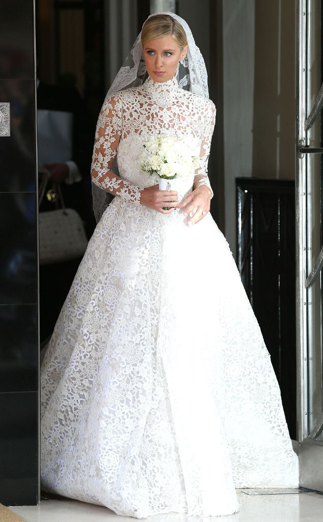 S Dramatic White Lace Wedding Dress See The Pic E Online Mobile